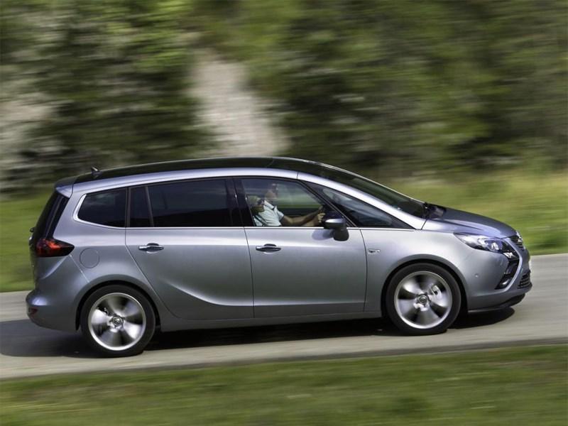 Opel Zafira Tourer получил версию с турбированным двигателем