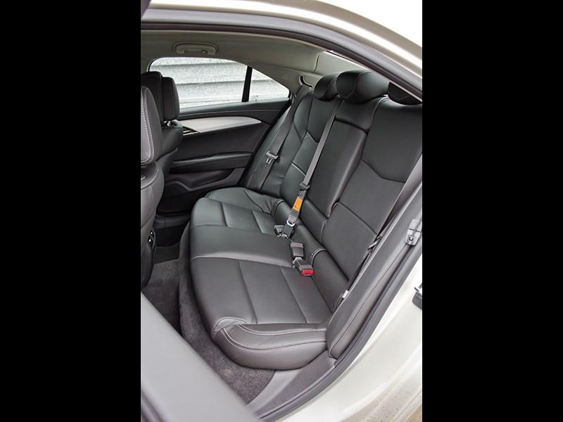 Cadillac ATS 2012 задний диван 2