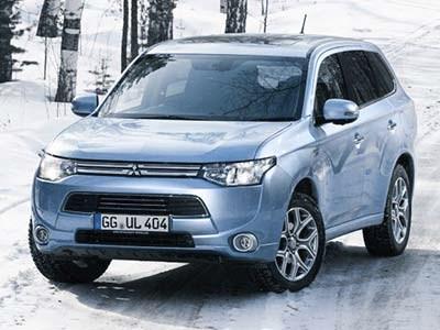 Электрокар Mitsubishi Outlander PHEV прошел испытания российскими дорогами