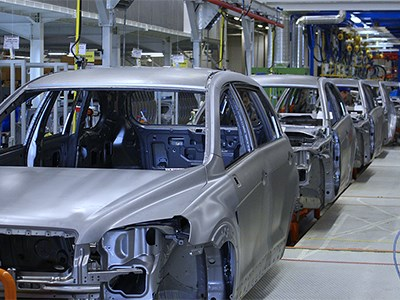 Производство автомобилей в России за период с начала года сократилось на 1,4%
