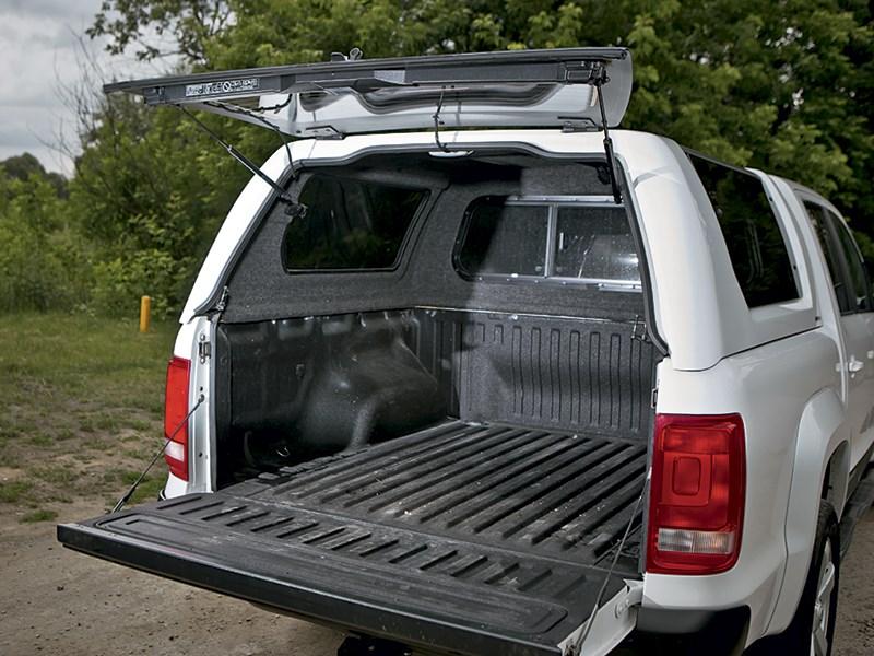Volkswagen Amarok 2014 багажное отделение
