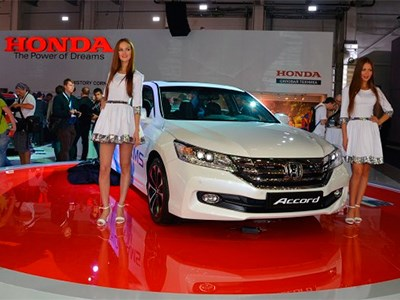 Honda продемонстрировала на Московском автосалоне обновленный бизнес-седан Accord