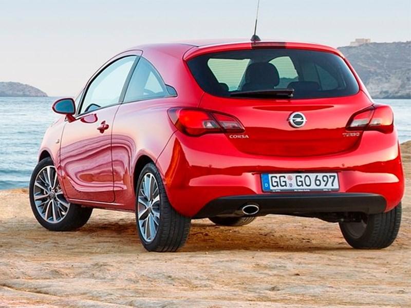 Opel Corsa 2015 вид сзади