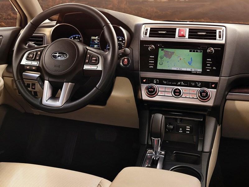 Subaru Outback 2015 водительское место