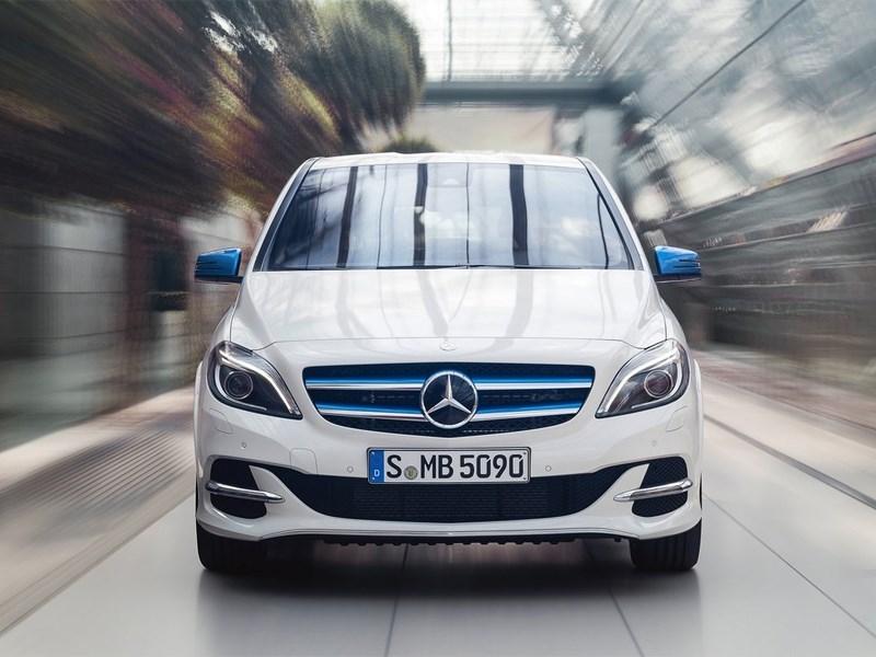 Mercedes-Benz B-Klasse 2015 фронт