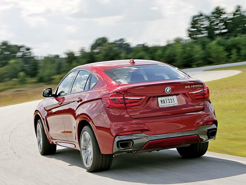 BMW X6 2015 вид сзади