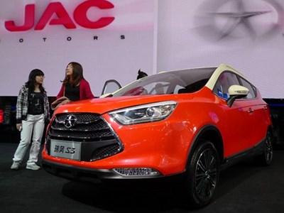 На российский рынок выйдет три новых модели китайской марки JAC