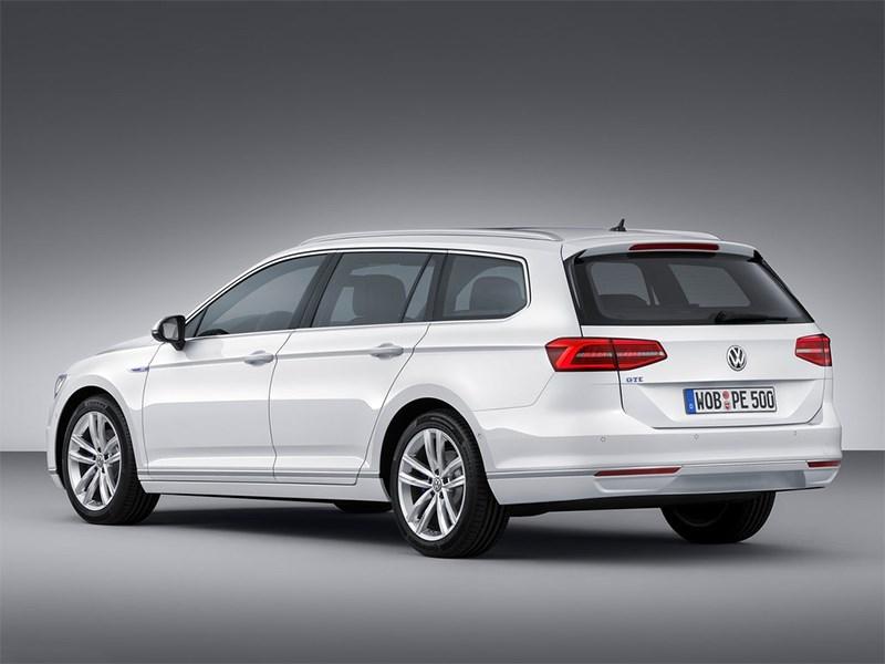 Volkswagen Passat GTE 2015 универсал вид сзади