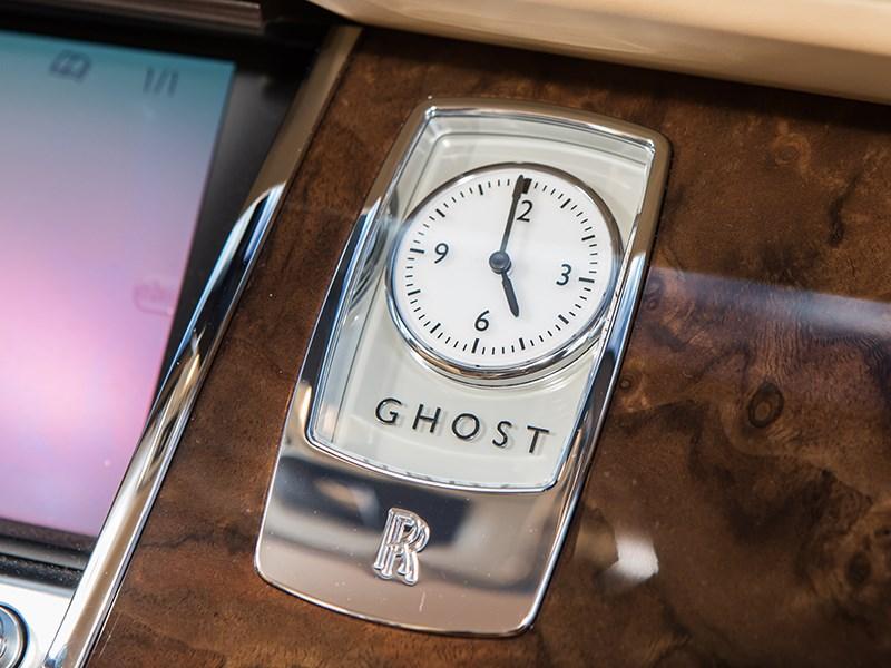 Rolls-Royce Ghost EWB 2013 часы