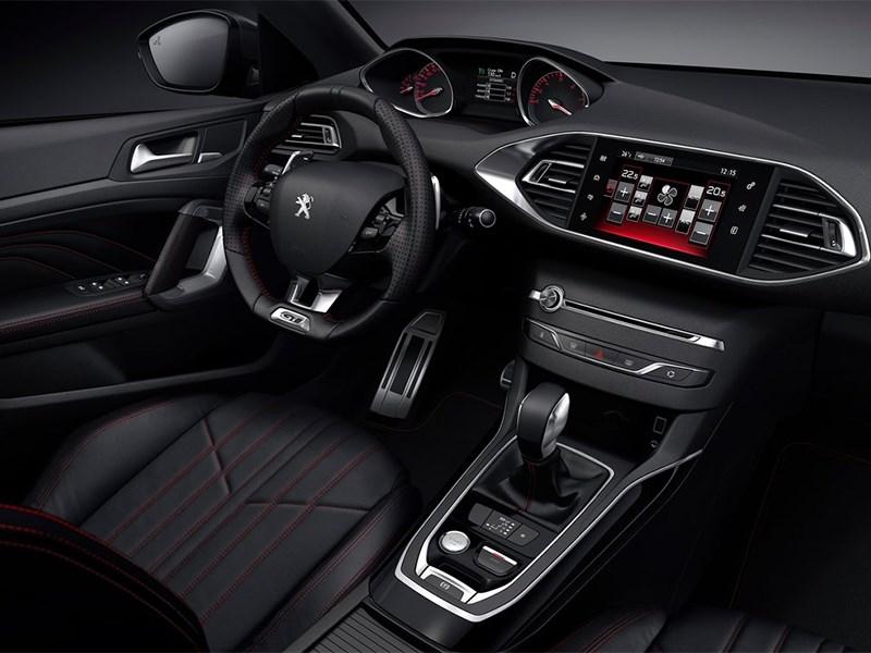 Peugeot 308 GTi 2015 водительское место