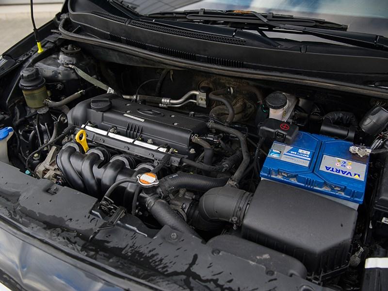 Hyundai Solaris 2012 двигатель