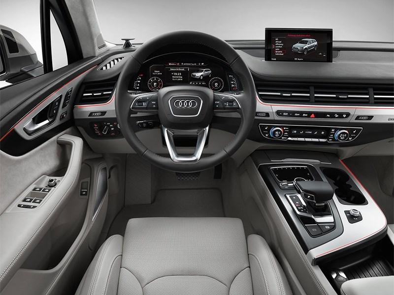 Audi Q7 2015 водительское место