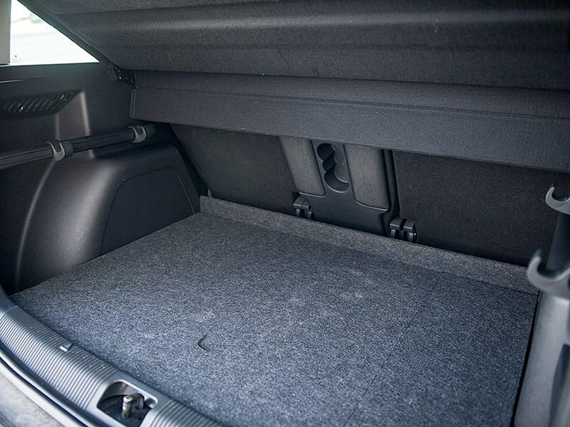 Skoda Yeti 2010 багажное отделение