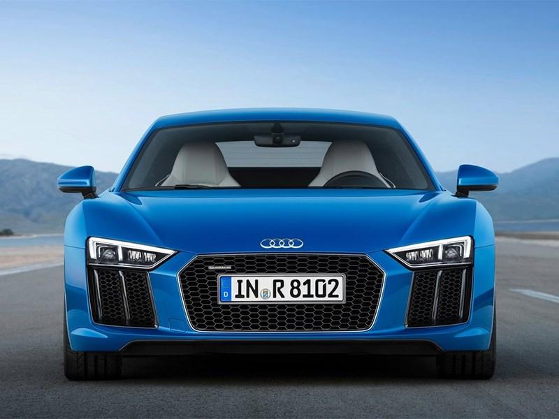 Audi R8 2016 вид спереди