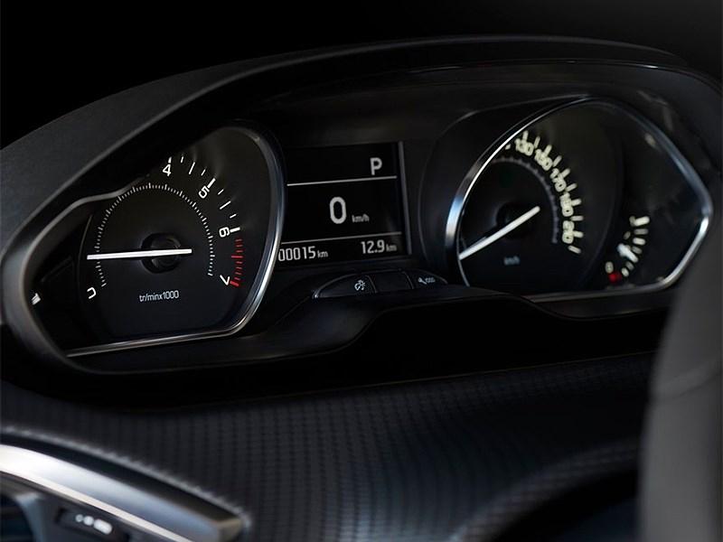 Peugeot 208 2016 приборная панель
