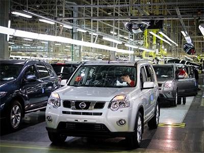 Объем производства новых автомобилей на петербургском заводе Nissan падает