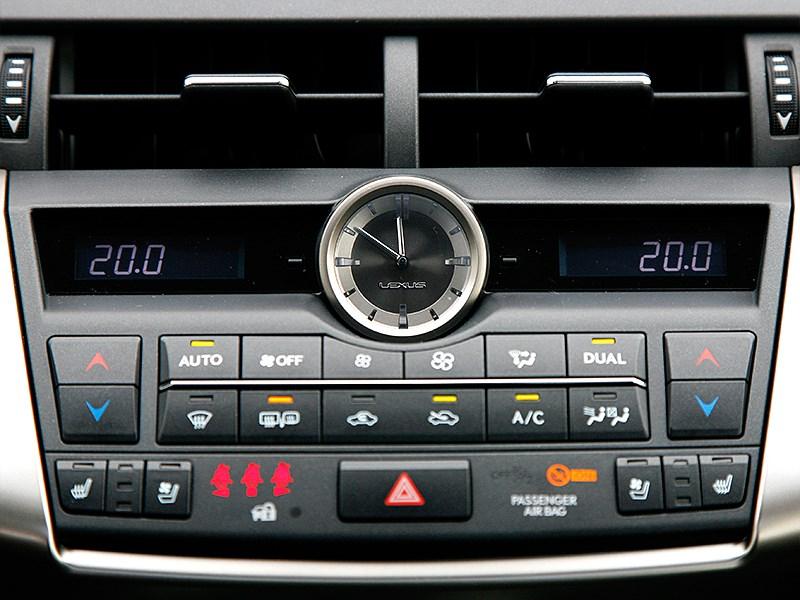 Lexus NX 2014 центральная консоль