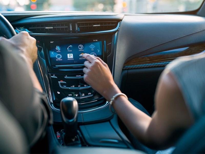 Cadillac ELR 2016 центральная консоль