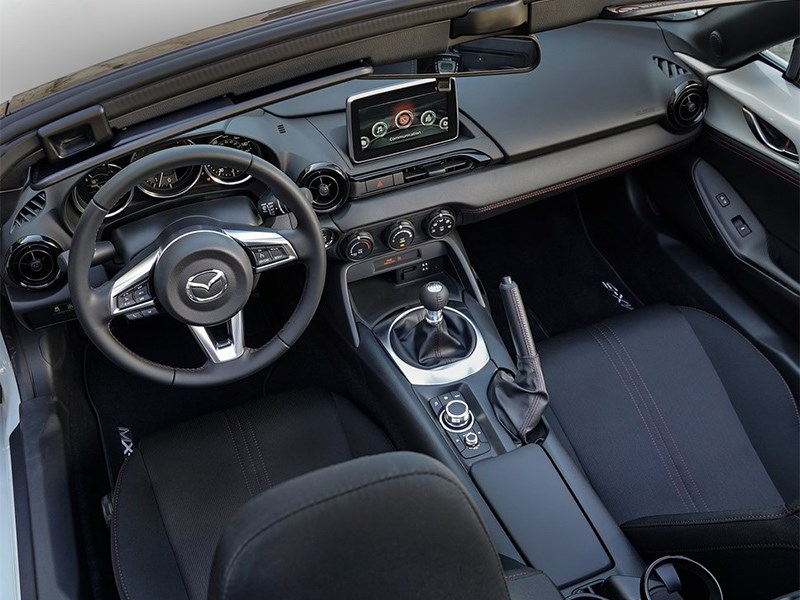 Mazda MX-5 Club Edition 2016 салон