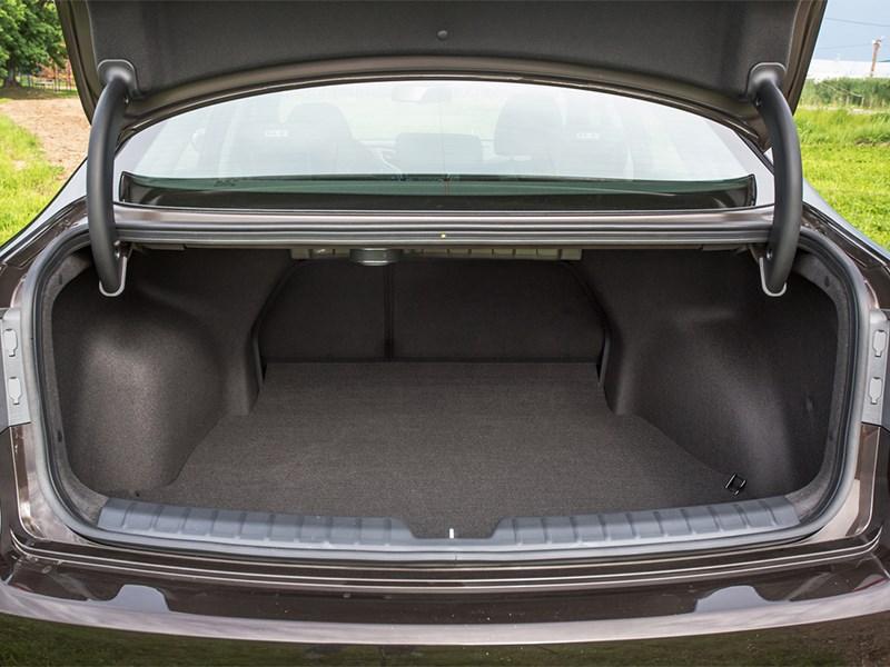 Hyundai i40 2015 багажное отделение