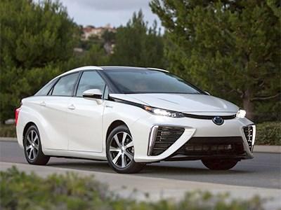 Водородный седан Toyota Mirai скоро будет доступен в США и в Европе