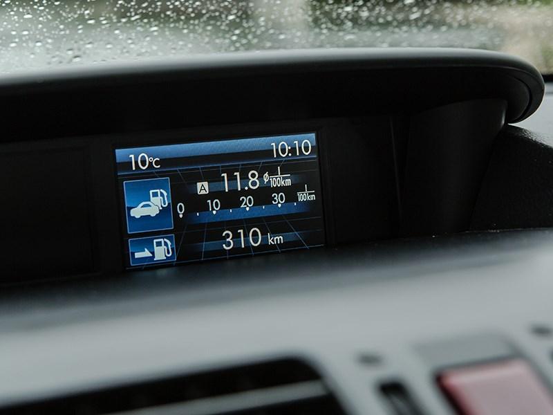 Subaru XV 2012 монитор