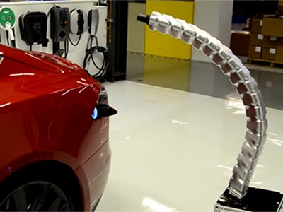 Tesla Motors показали прототип нового зарядного устройства