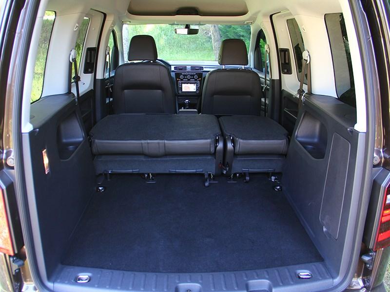 Volkswagen Caddy 2016 багажное отделение