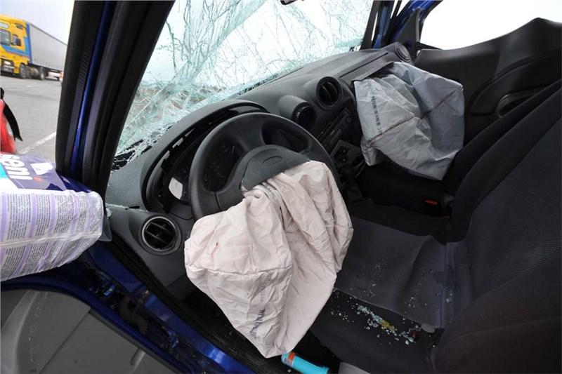 Конгресс США требует от компании Takata отозвать 18 млн комплектов подушек безопасности