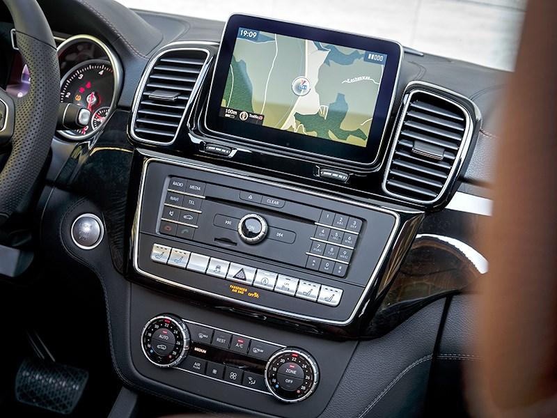 Mercedes-Benz GLE Coupe 2016 центральная консоль