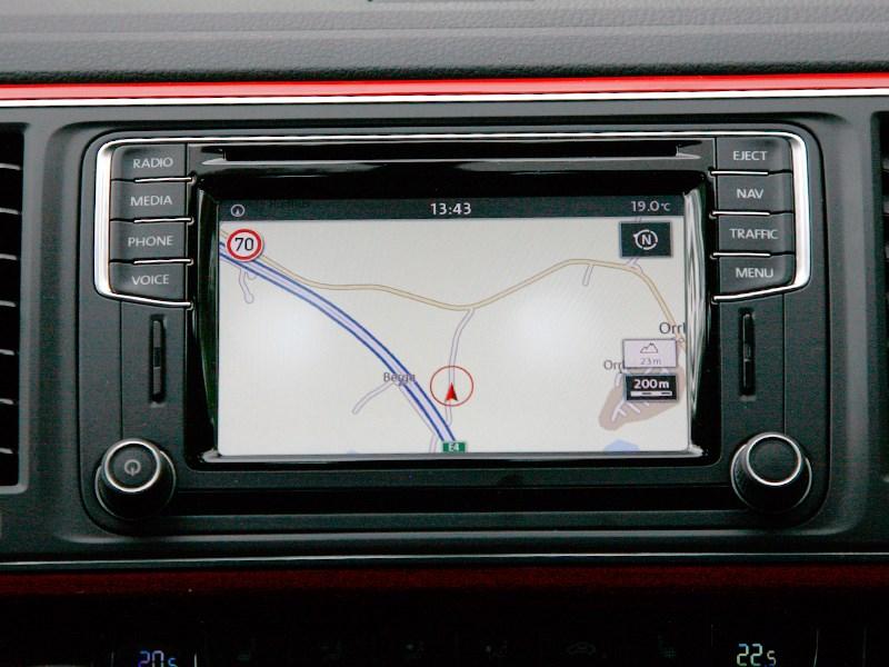 Volkswagen Multivan 2015 монитор
