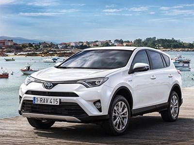 Обновленный кроссовер Toyota RAV4 появится в России в декабре