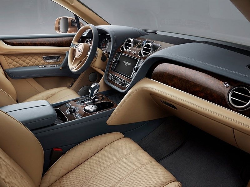 Bentley Bentayga 2016 передние кресла