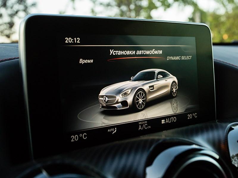 Mercedes-AMG GT S 2015 монитор