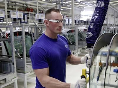 Volkswagen включит «умные» очки в экипировку заводских рабочих