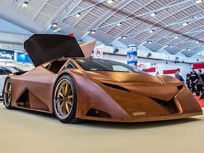 Американские студенты показали на автовыставке в Эссене деревянный суперкар