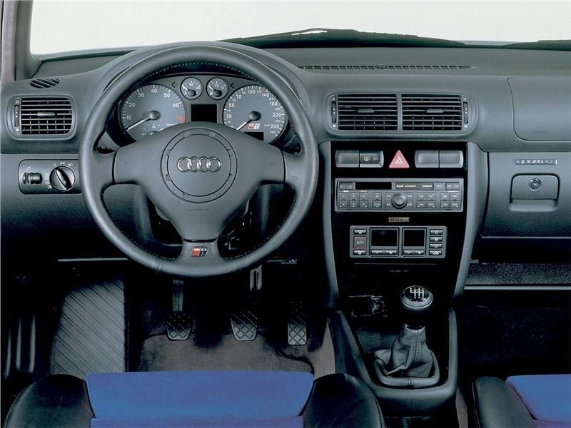 Audi S3 1999 салон