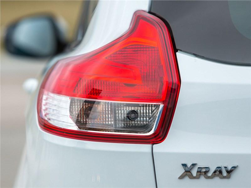 Lada XRay 2015 задний фонарь