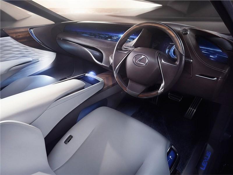 Lexus LF-FC 2015 водительское место
