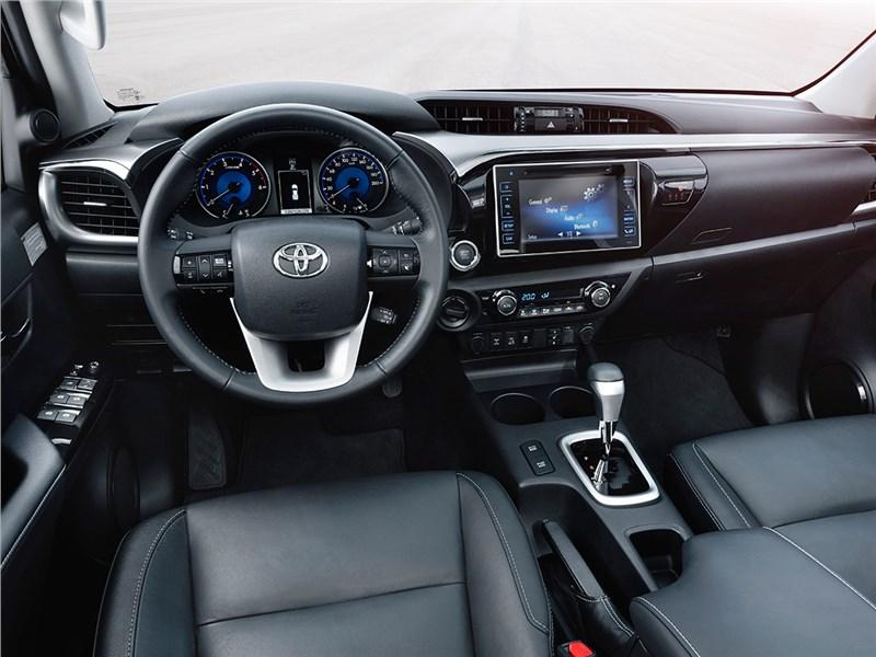 Toyota HiLux 2016 салон