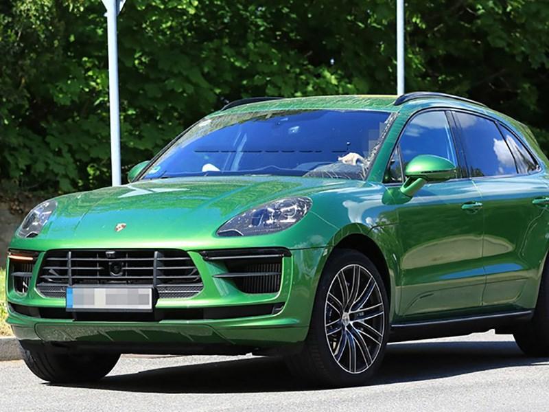 Обновленный Porsche Macan: первое фото без камуфляжа