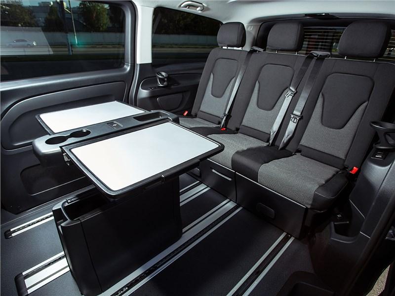 Mercedes-Benz Vito Tourer 2015 задние сиденья