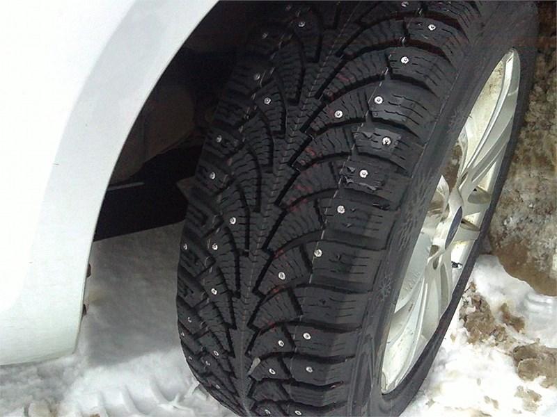 Не стоит спешить со сменой зимних шин на летние