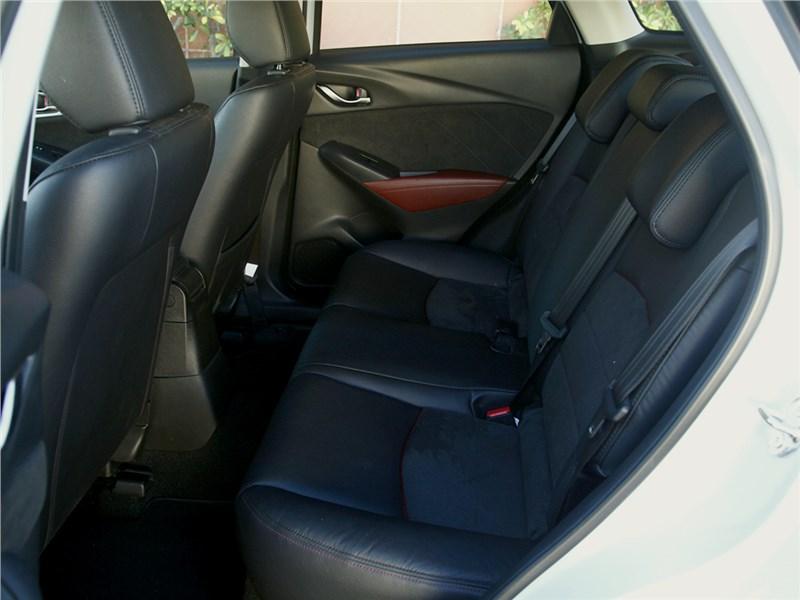 Mazda CX-3 2015 задний диван