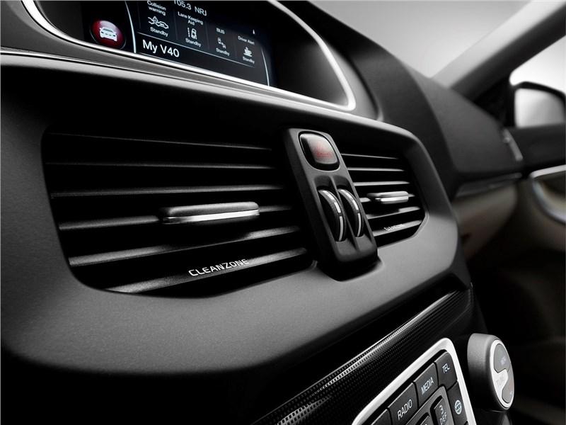 Volvo V40 2017 салон