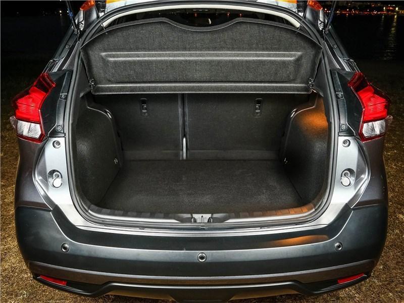 Nissan Kicks 2017 багажное отделение