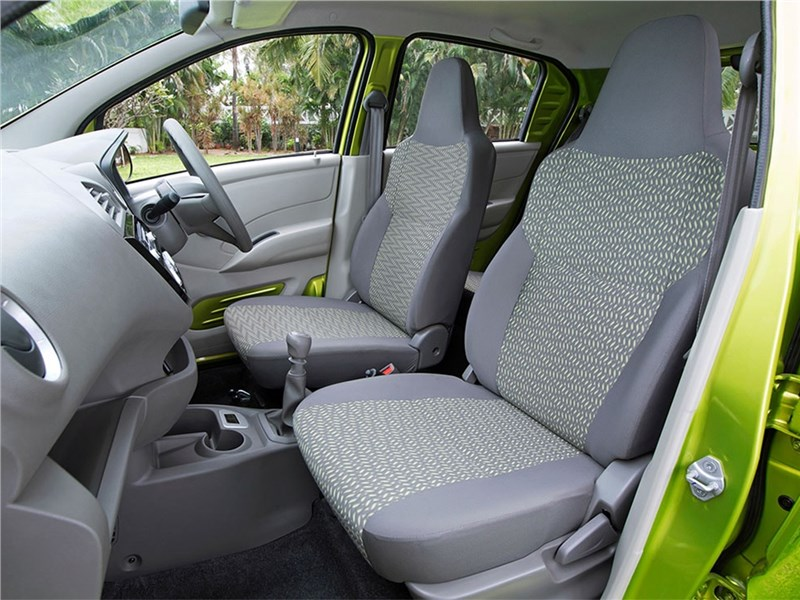 Datsun redi-Go 2016 кресла