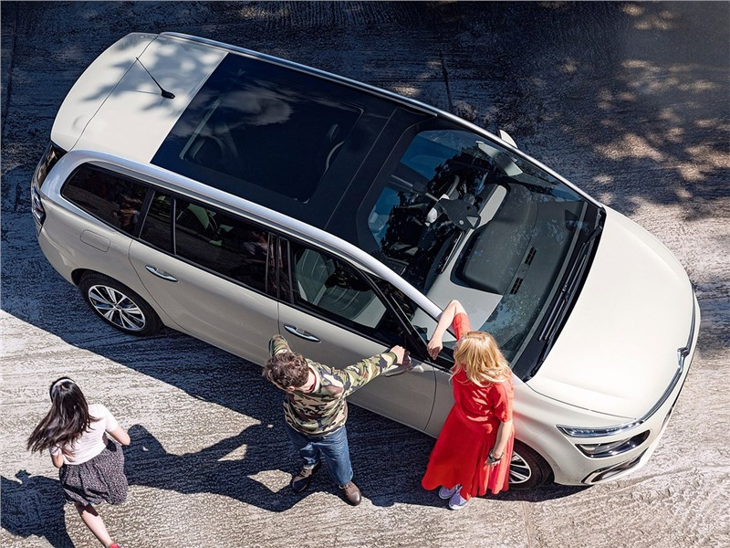 Citroen Grand C4 Picasso 2017 вид сверху