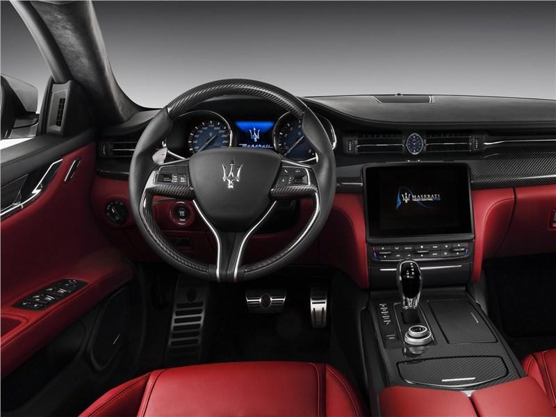 Maserati Quattroporte Gran Sport 2017 салон