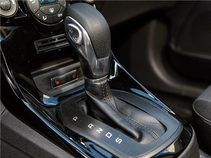 Ford Fiesta sedan 2015 АКПП